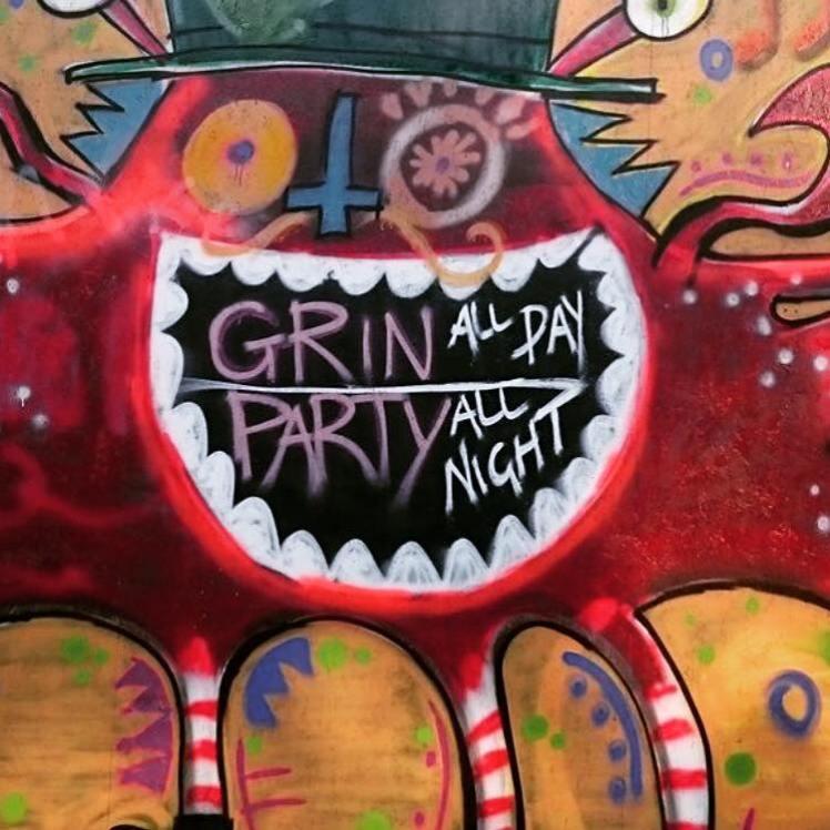 grin1